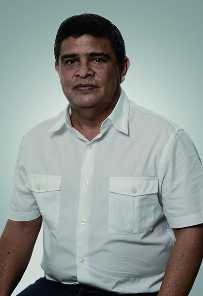 Rafael Lafont secretario