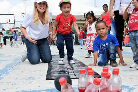 Jugando y disfrutando de diferentes actividades, propuestas por el programa Primera Infancia
